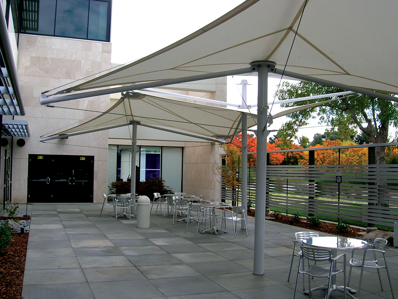 Corporate Patio Shade - Hewlett Packard