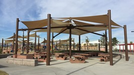 siegfried_and_roy_park_three_point_sails_shade_structure