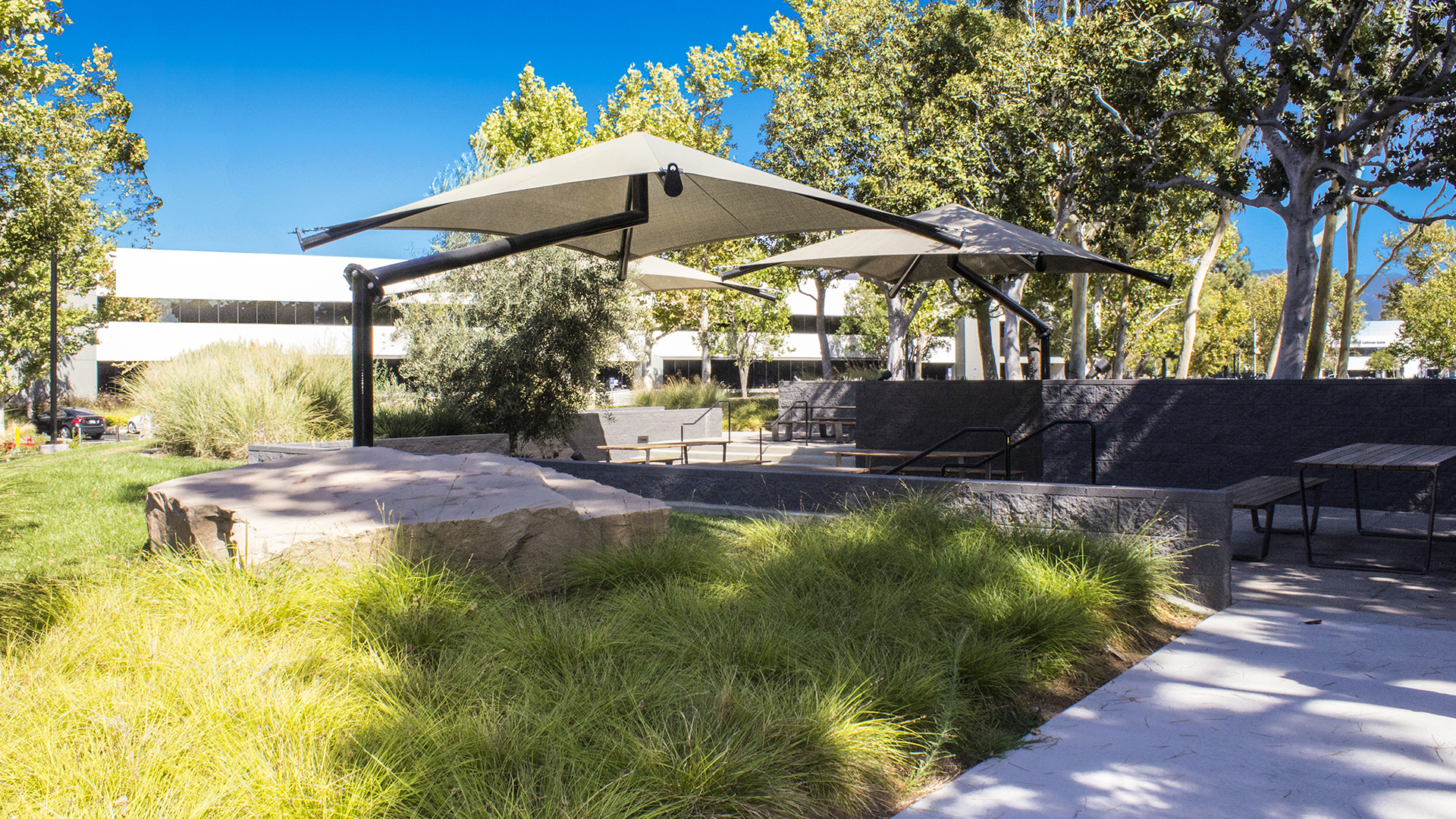 Single Post Pyramid Cantilever Fabric Shade Structure